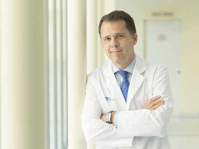 Dr. Alonso Chico, Angel