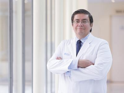 Dr. López Lacomba, Daniel