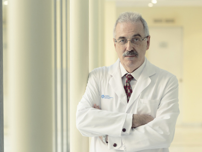 Dr. Francisco Oliver González