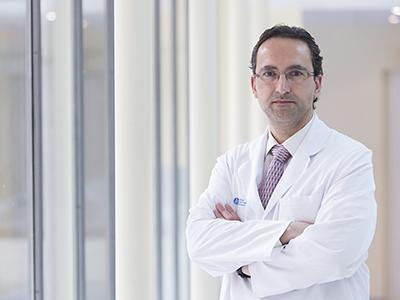 Dr. Óscar Núñez Martínez